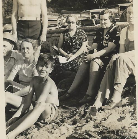 PIX_BUTTERFIELD_FAMILY AT CANAL OR P DEFIANCE_DAD ABOUT AGE 10