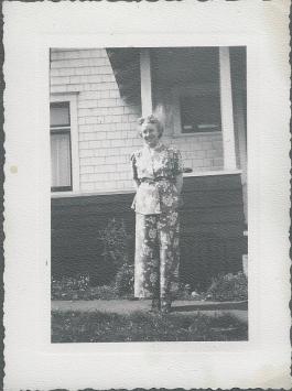 PIX_GEIER_LALLA EARYY 1940S_HOUSE ON K ST TACOMA