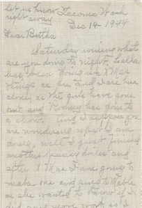 PIX_BUTTERFIELD_DEC 1944_PANSY DOILIES