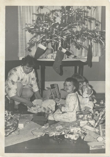 Dec 2014_Geier_lynne and karen_christmas on Yale
