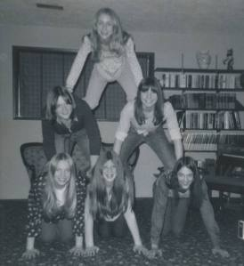 PIX_Geier_Kay Rosebrocks party in high school_pyramid of girls_July 2014