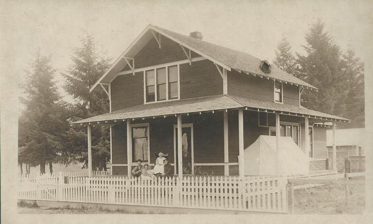 PIX_BUTTERFIELD_HOME IN 1915_SIDING AND FENCING