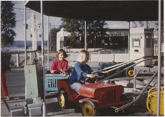 pix_geier_lynne-and-karen-riding-cars_point-defiance-probably