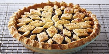 april-2016_mincemeat-pie_pinterest-dot-com