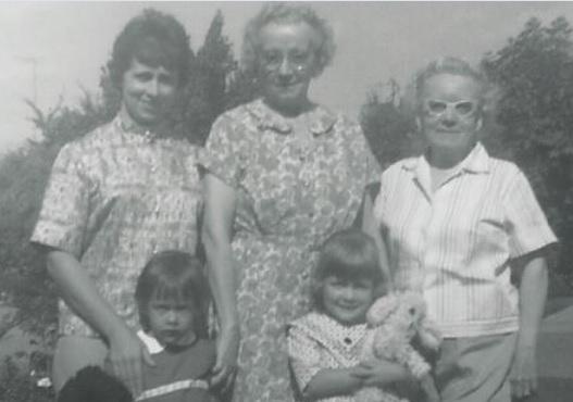 Mom grandma and Hazel with us at Hazels house_Tacoma