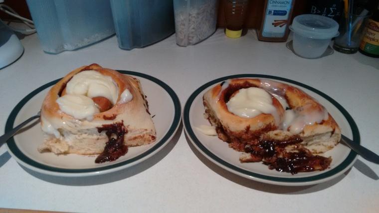 baking_giant cinnamon rolls_oct 2017 (52)