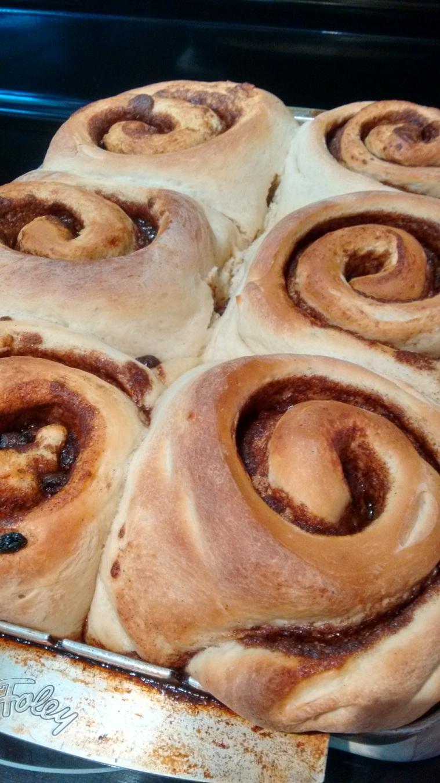 baking_giant cinnamon rolls_oct 2017 (55)
