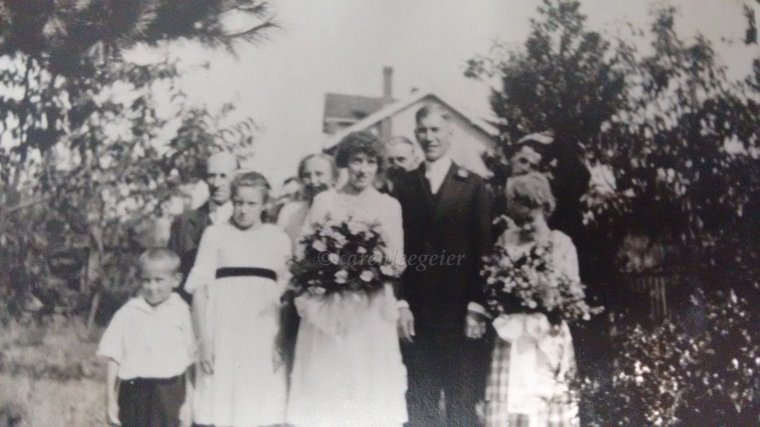 Geier Carl and Lalla Butterfield wedding_24 Aug 1921_home of Butterfield Elmer and Orah Tacoma