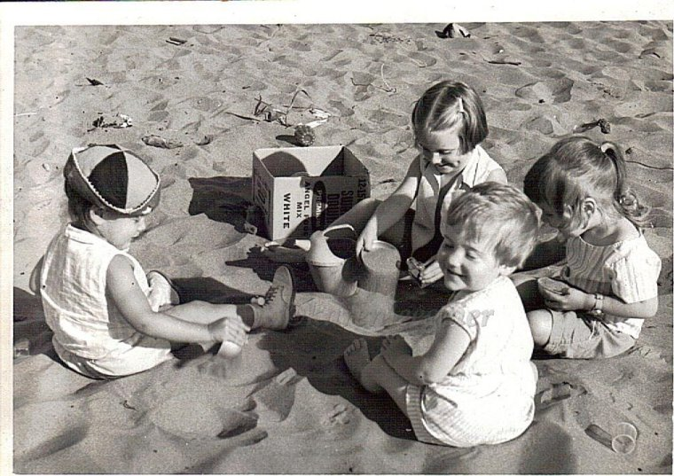 geier sather cousins_beach_photo rod geier_early 60s